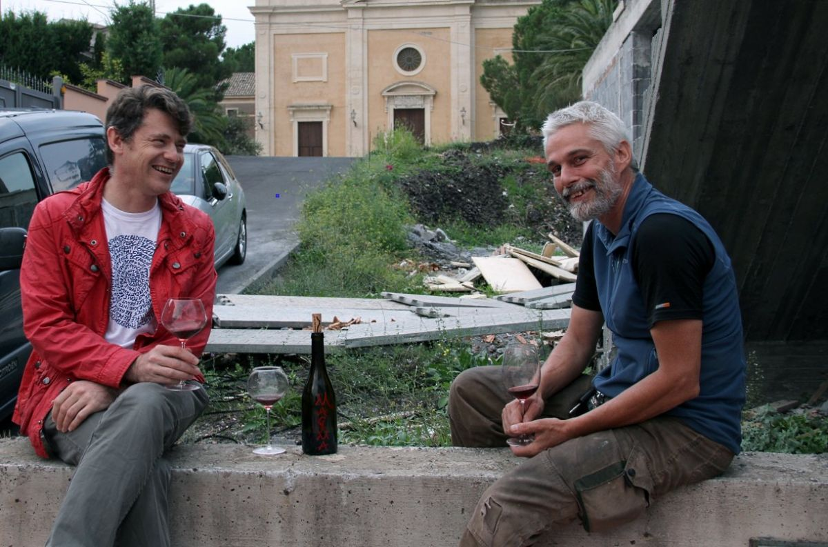 Frank and Simon decide the Magma 2011 should be finished down to the last drop